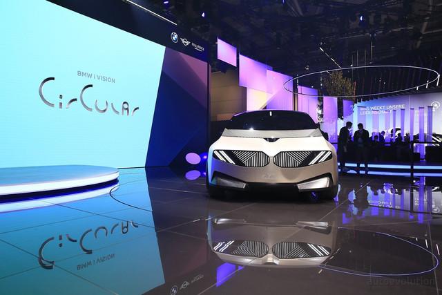 2021 - [BMW] Vision Circular  - Page 2 52811070-7628-453-B-A38-A-A850060-EF3-A3