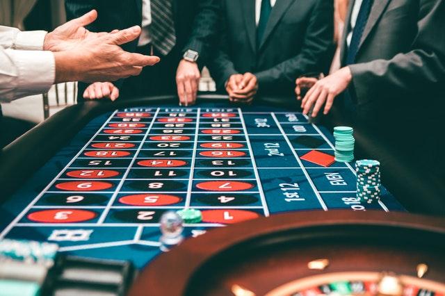 https://i.ibb.co/0yxrdXK/casino-gambling.jpg