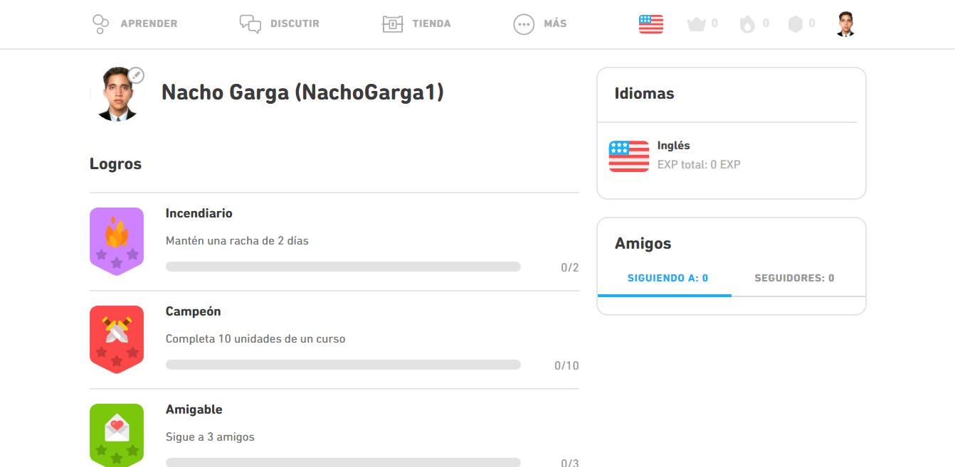 Al iniciar sesión en la app de Duolingo, en tu perfil, verás tu avance.