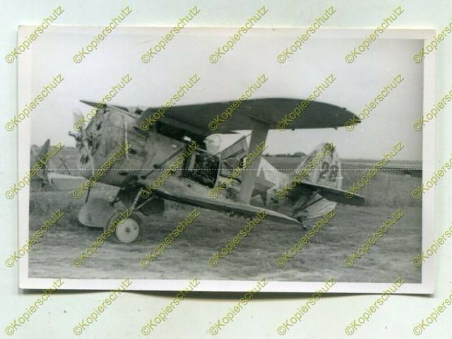 Foto-Wehrmacht-Beute-Flugzeug-Polikarpow-I-15-No28-Russland