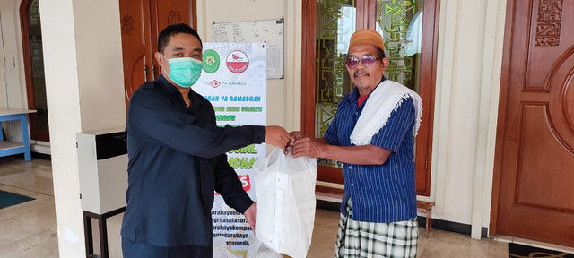PTA Surabaya Berbagi itu Indah