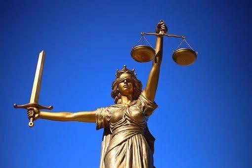 Bez jakiegokolwiek ryzyka ma możliwość porozumieć się z naszym prawnikiem…