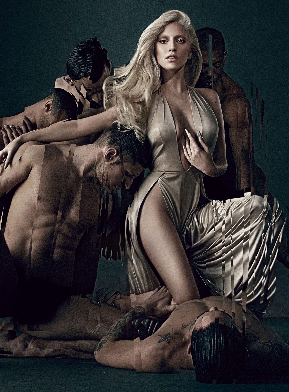2014-Eau-de-Gaga-standing.jpg
