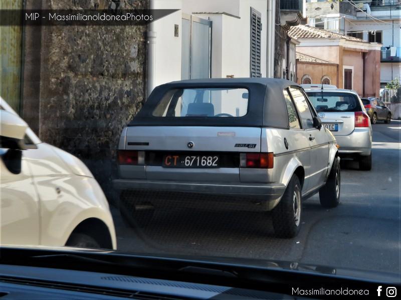 avvistamenti auto storiche - Pagina 11 Volkswagen-Golf-Cabriolet-1-1-49cv-83-CT671682