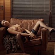 Chiara-Bianchino-Gentlemens-Club-by-Hannes-Walendy-13