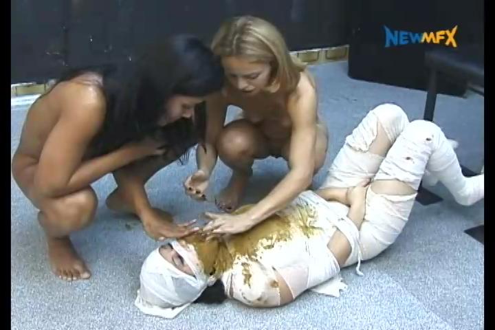 NewScatinBrazil - Feeding the mummy