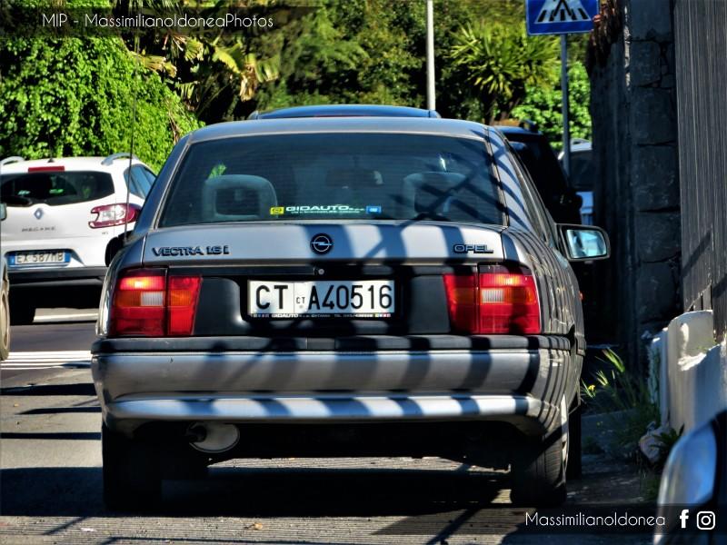 avvistamenti auto storiche - Pagina 15 Opel-Vectra-1-6-75cv-039-92-CTA40516-51-920-26-7-2018