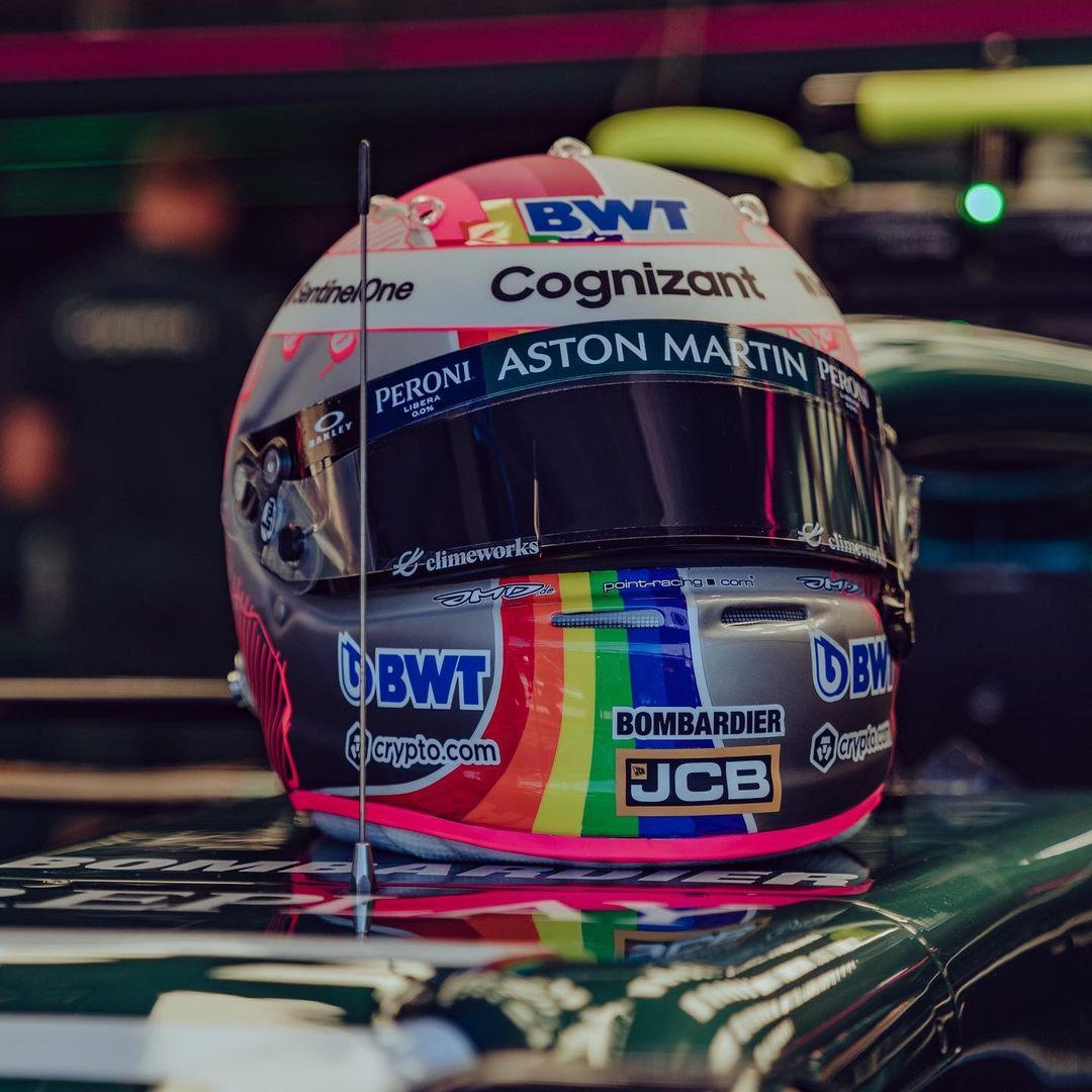 Vettel al GP di Ungheria sfida Orban con i colori arcobaleno