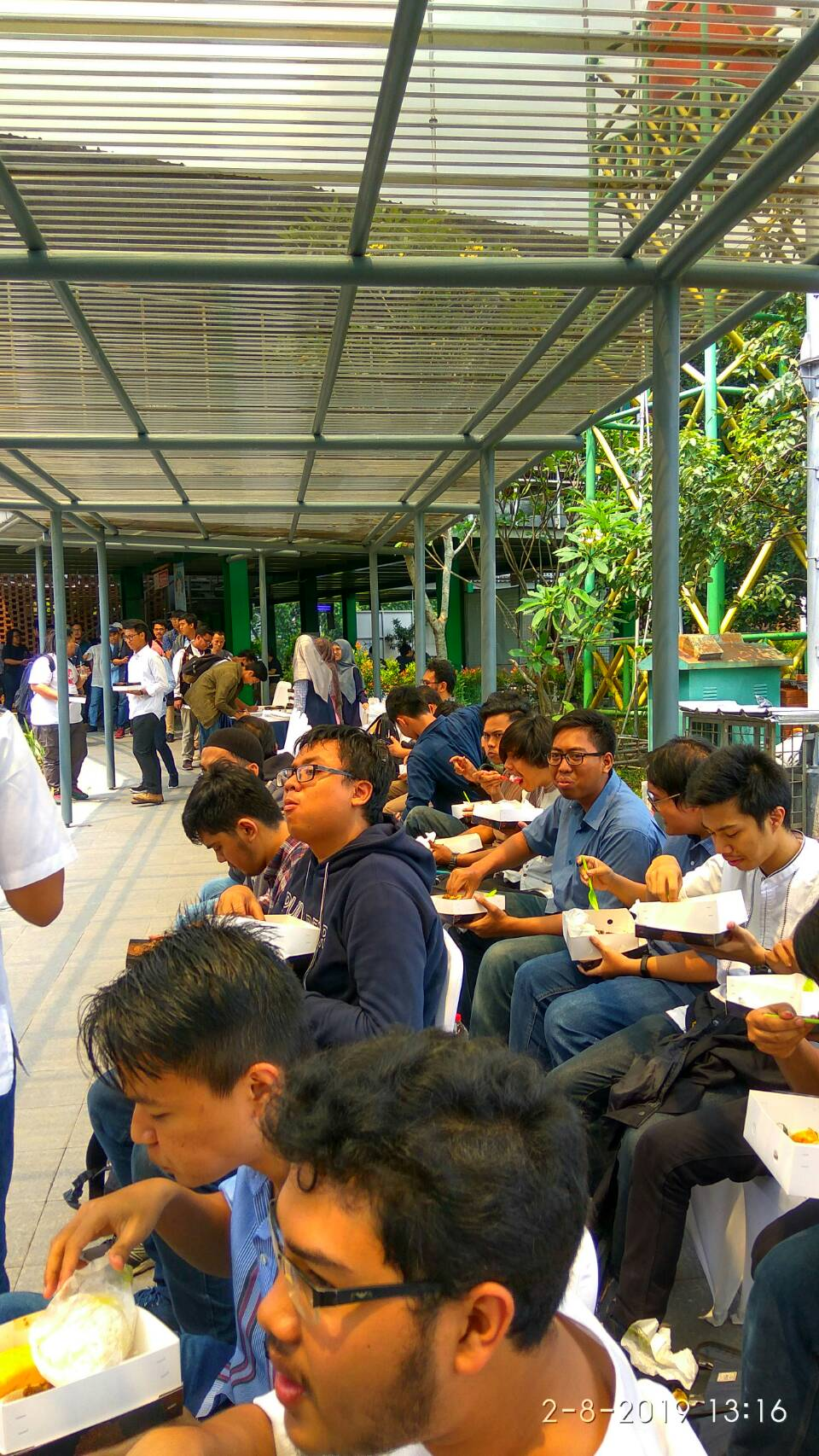 Mahasiswa FTUI turut meramaikan acara Grand Launching Mustek Next Level