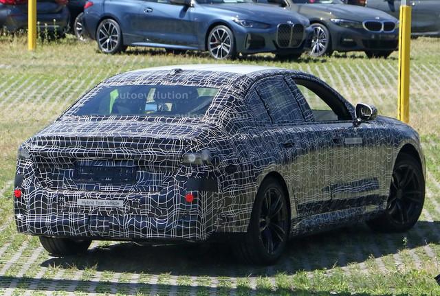 2023 - [BMW] Série 5 / M5 [G60 / G61] - Page 2 135221-E6-2-F0-E-4972-A460-6-DFE8-CA2-CC63