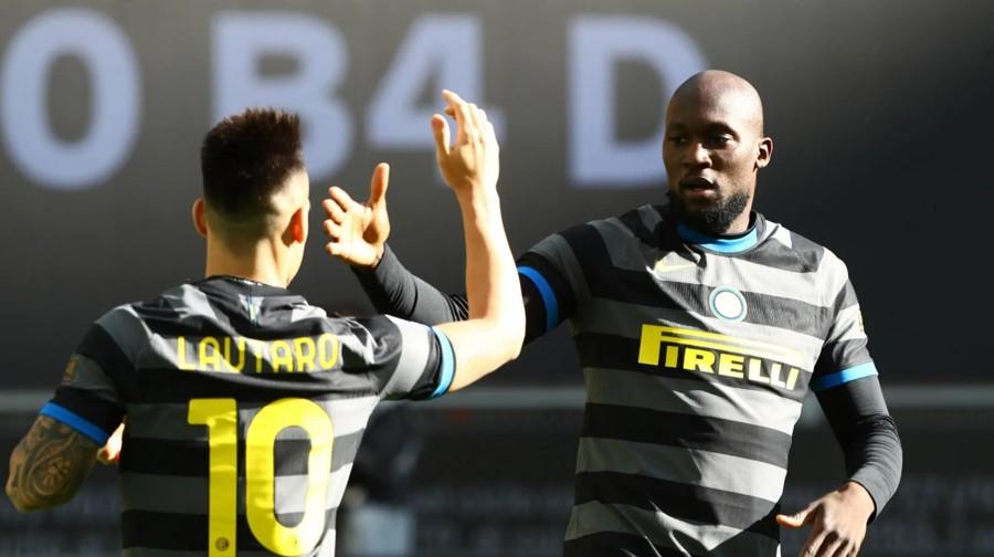 Inter-Genoa risultato con Lukaku Darmian Sanchez: Fuga Conte a +10 dalla Juventus