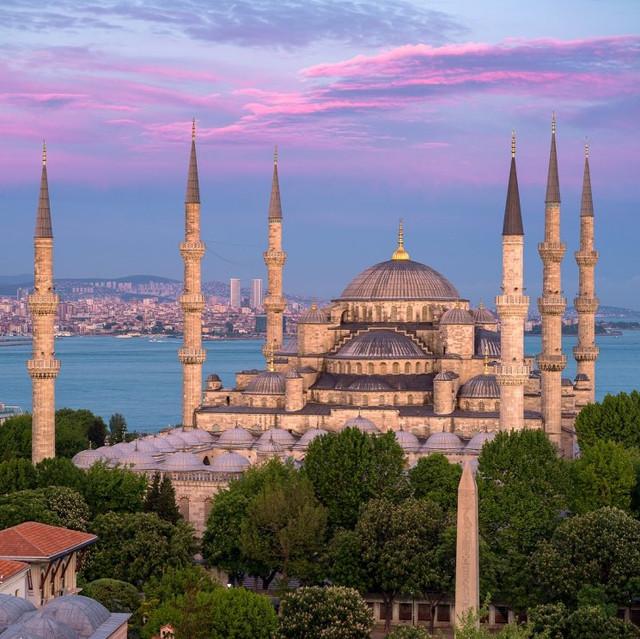 o-img-28180-masjid-sultan-ahmed-di-turki-instagramatbeautifulmosqueworldwide