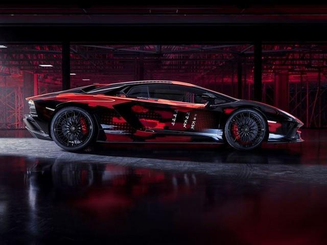 Automobili Lamborghini et Yohji Yamamoto célèbrent l'inauguration du Lamborghini Lounge Tokyo et du Studio Ad Personam 571300