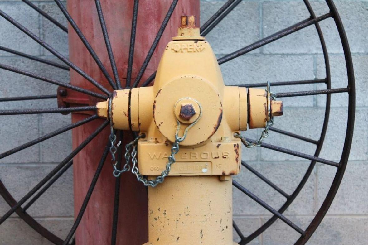 hidrant-izum-ilustracija-screen