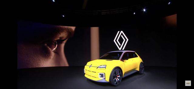 2021 - [Renault] 5 E-Tech 1-D869-A55-7365-4-BD5-9-EDC-4-BC97-D3681-FF