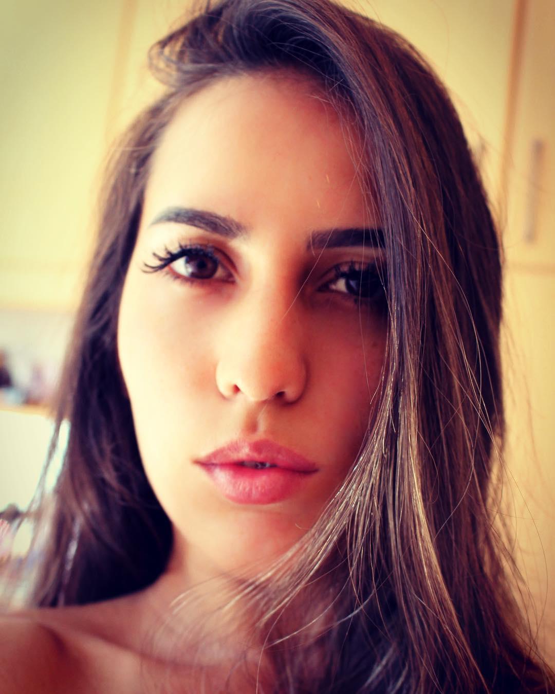 Amanda-Miguez-Wallpapers-Insta-Fit-Bio-6