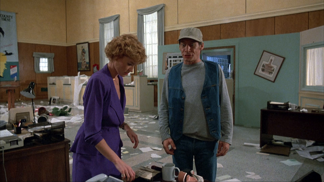 Ernest Goes to Jail 1990 Blu Ray 1080p DD 2 0 AVC REMUX Fra Me STo R 001