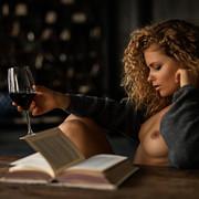 sensual-reading-c7aae45f-9f77-4bbd-ac62-84cb2f82a21c