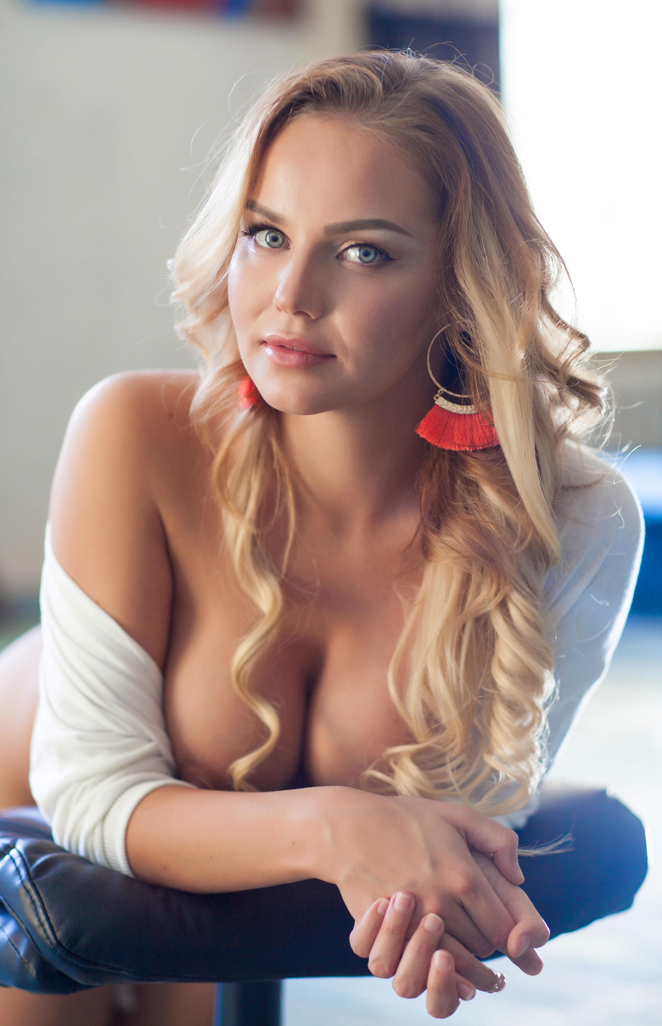 голая Ника Шукурова в Playboy / фото 10