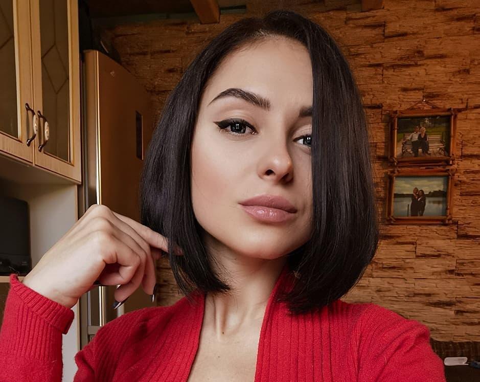 Valeria-Dukova-Wallpapers-Insta-Fit-Bio-16