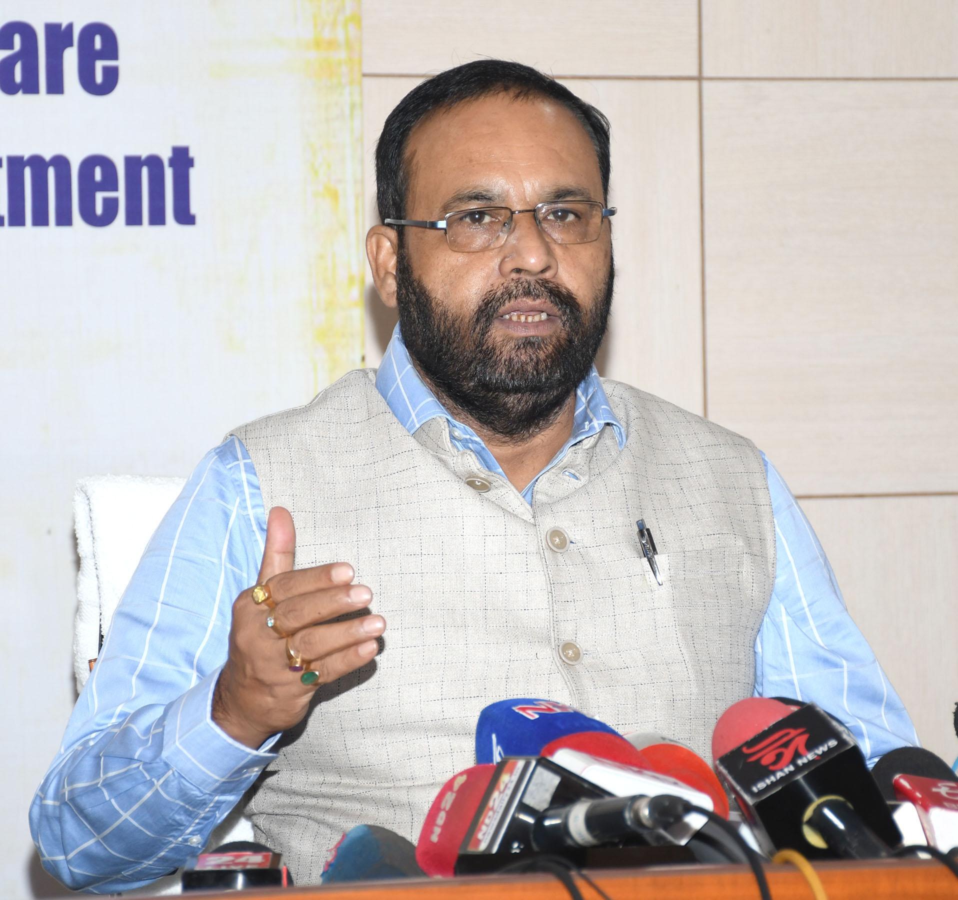 Assam-Health-Minister-Keshab-Mahanta-addressing-a-Press-Conference-regarding-on-SOP-at-Janata-Bhawan