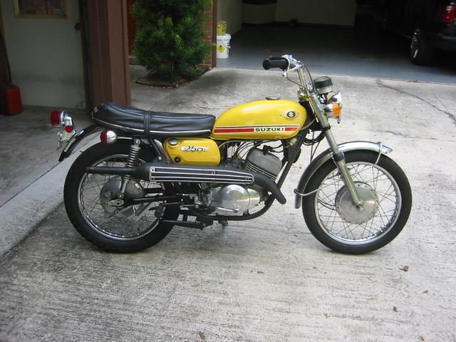 70-SUZUKI-T250-II