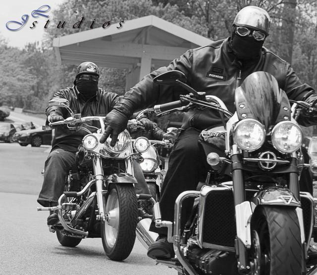 https://i.ibb.co/1XGpswK/motorcycle-club-4.jpg