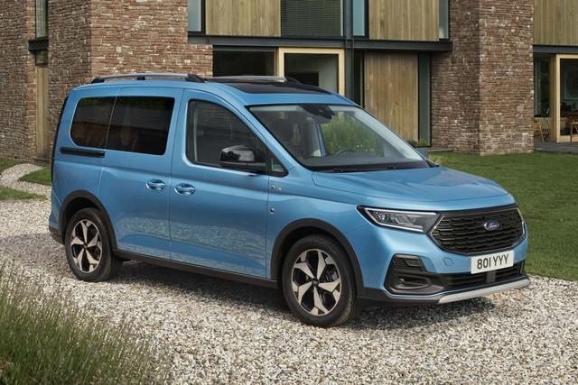 2022 - [Ford] Tourneo Connect E8-E582-FE-215-B-4-EDB-8-C56-6-F06-A226-A757