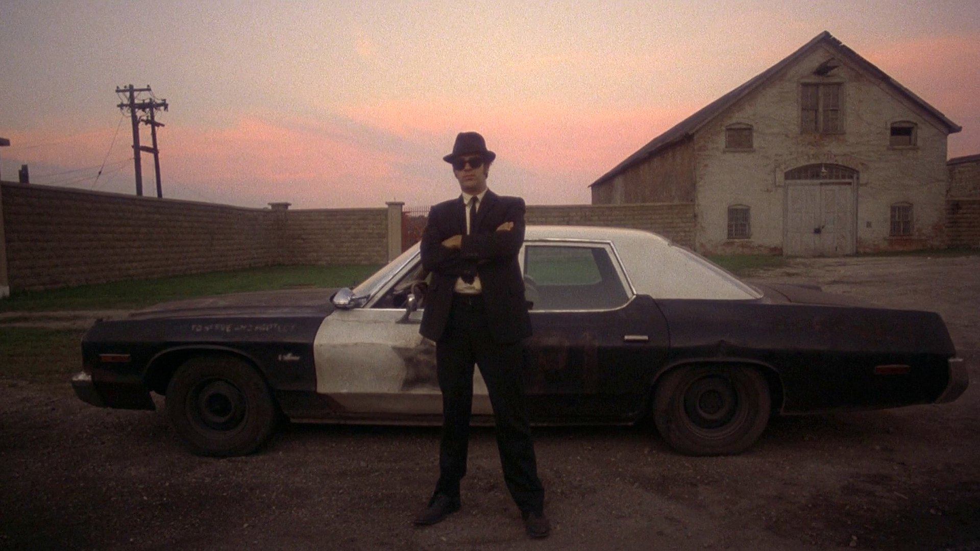 https://i.ibb.co/1bVQPB4/bluesmobile02.jpg