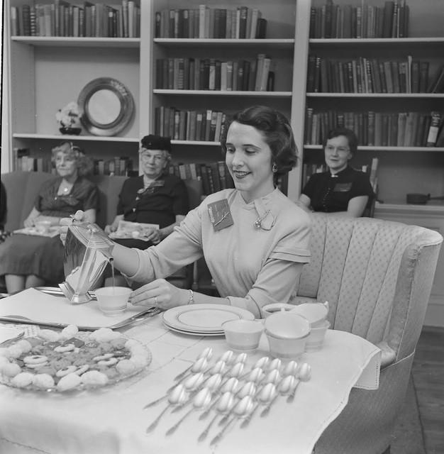 Home-Economics-course-at-Cornell-University-USA-1951-1
