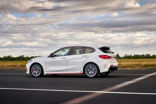 2018 - [BMW] Série 1 III [F40-F41] - Page 31 46-A8-C727-BECF-4-AFE-A99-F-E628-B7-EE74-C3
