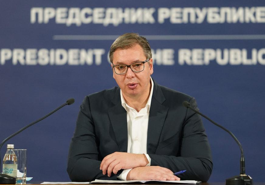 U SRBIJU DANAS STIGLO MILION DOZA KINESKE VAKCINE! Vučić: Novinari na listi prioriteta za vakcinaciju