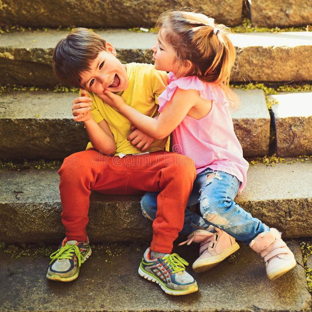 small-girl-boy-stairs-relations-childhood-first-love-couple-little-children-boy-girl-summer-holiday