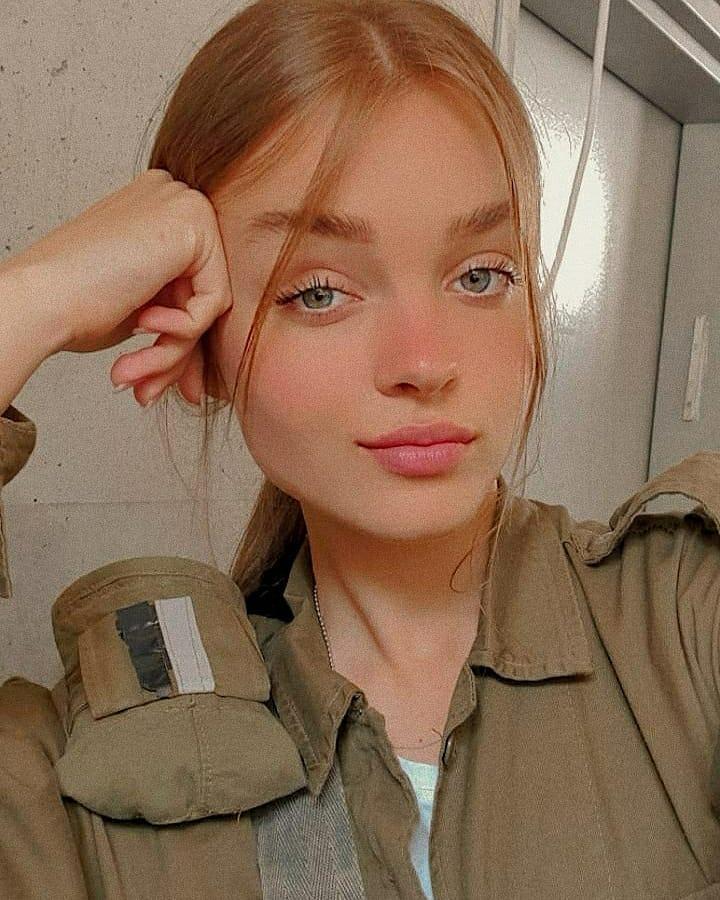 Anna-Zak-4