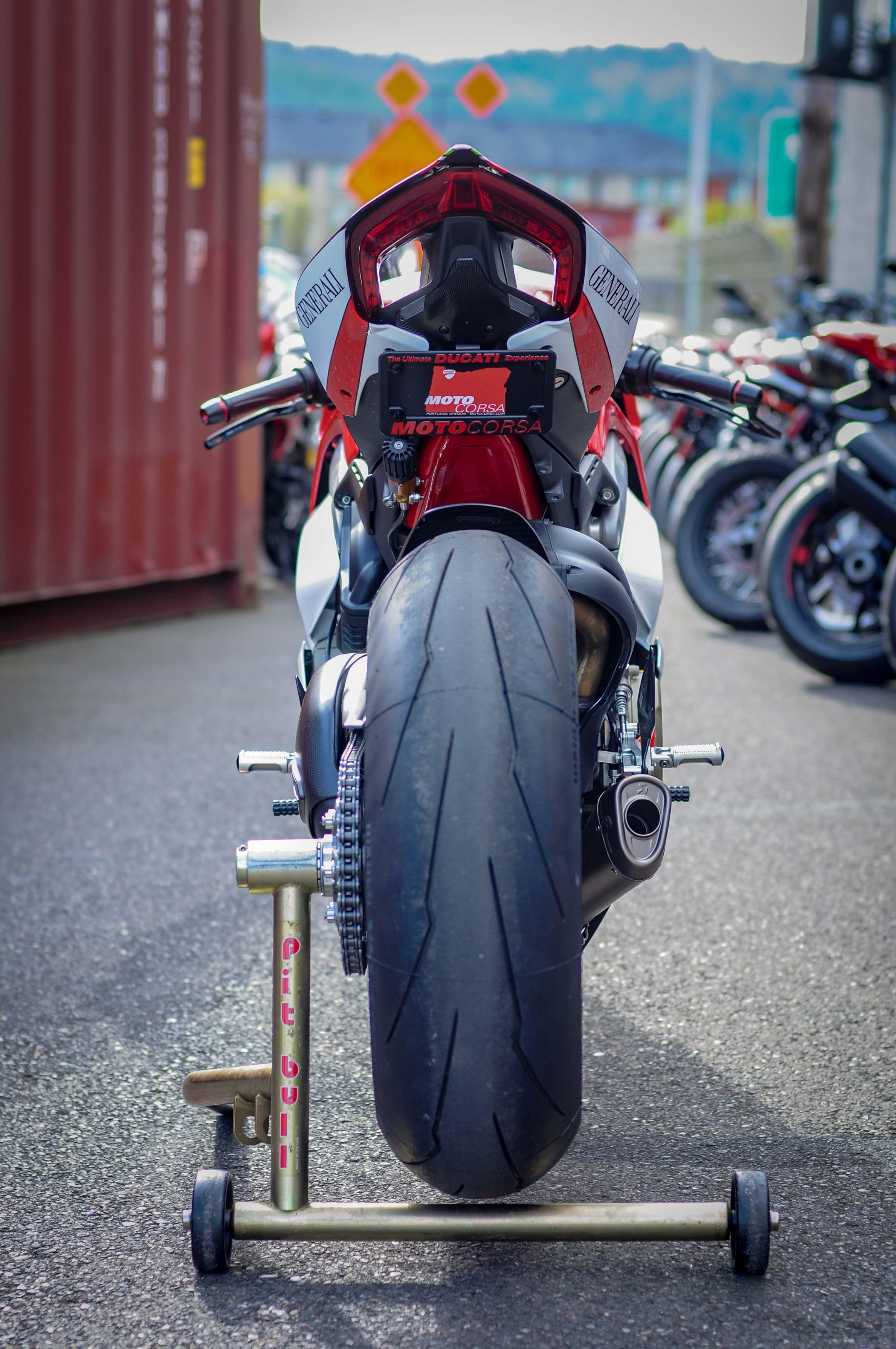 Nicky-Hayden-Ducati-Panigale-V4-tribute-29