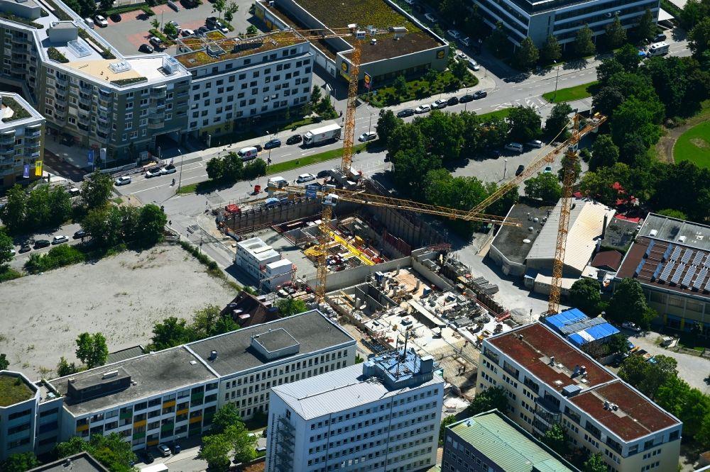 MNCHEN-06-07-2021-Baustelle-zum-Neubau-eines-Bro-und-Geschftshauses-an-der-Rdesheimer-Strae-Ecke-Tbi.jpg