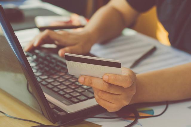 ¿Qué es un reintegro en una tarjeta de débito?