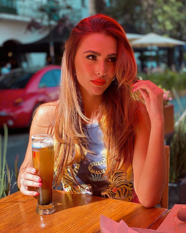 Karina-Ramos-Wallpapers-Insta-Fit-Bio-15