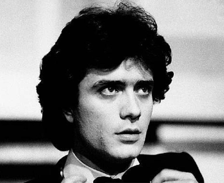 Gianni Nazzaro è morto oggi a 72 anni