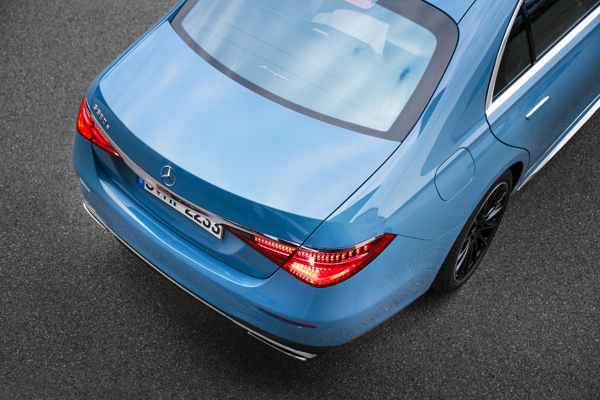 2022-Mercedes-Manufaktur-Label-10