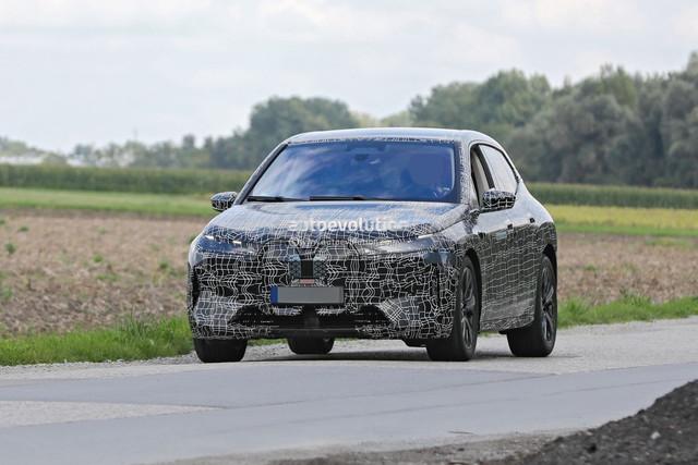 2021 - [BMW] iNext SUV - Page 6 15703704-873-E-4937-ABFD-200701-A5-D476