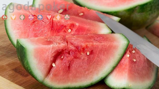 Jangan Makan Semangka Retak Seperti Ini, Bisa Picu Banyak Penyakit