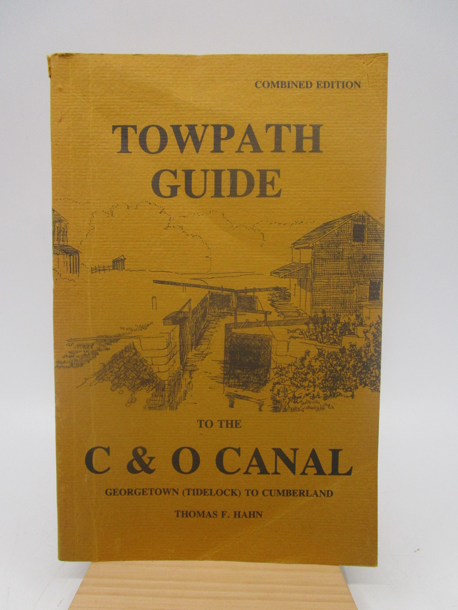 Image for Towpath Guide to the Chesapeake & Ohio Canal: Georgetown Tidelock to Cumberland (SIGNED)