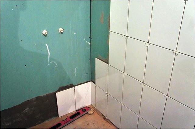 Укладка плитки на гипсокартон в ванной