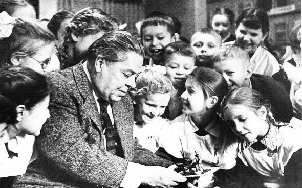 Ю.А.Васнецов на встрече с детьми