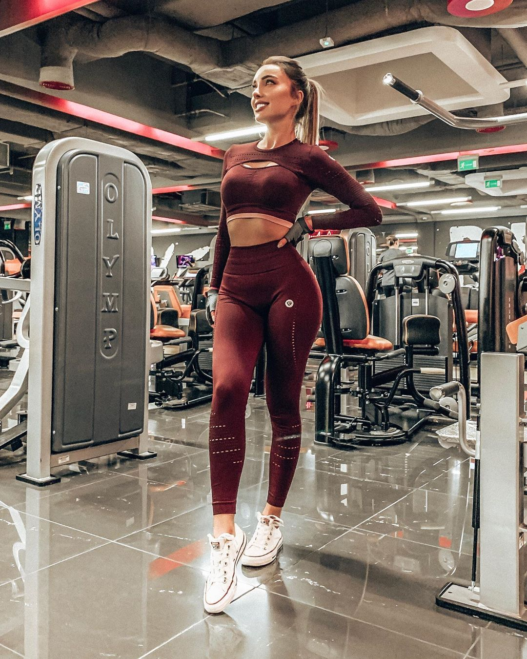 Monika-Mankiewicz-Owsianik-Wallpapers-Insta-Fit-Bio-21