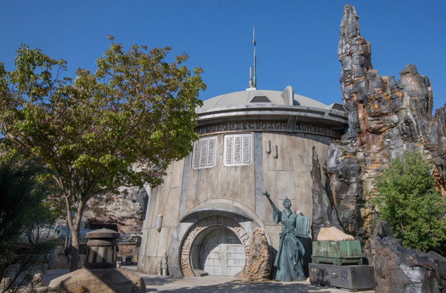 [Disneyland Park] Star Wars: Galaxy's Edge (31 mai 2019) - Page 6 Zzzz2