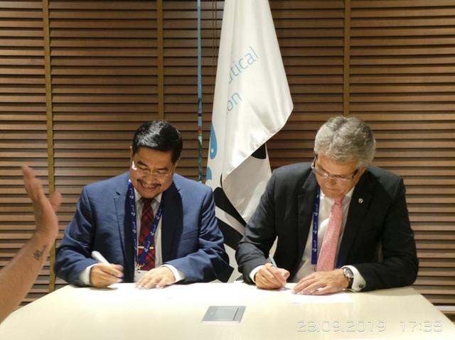 Penandatanganan-Mo-U-antara-IAI-dan-FIP-terkait-Program-Transformasi-Apoteker-di-Indonesia-3