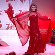 reddresscollection020520-runway1