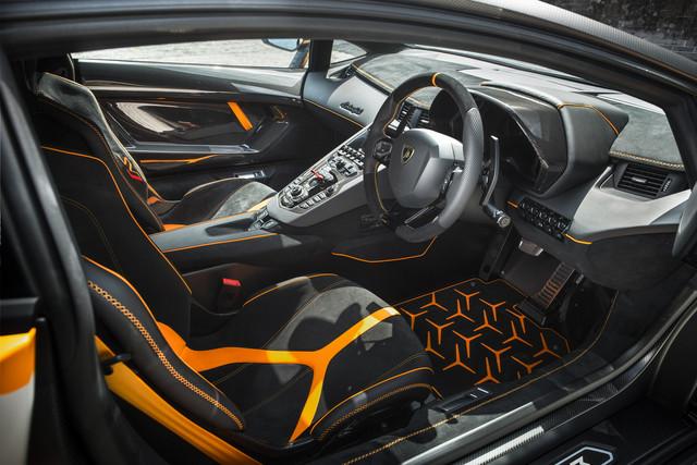 2011 - [Lamborghini] Aventador LP700-4 - Page 28 18856-CFD-143-E-46-ED-91-B8-0-CAC1570-F642